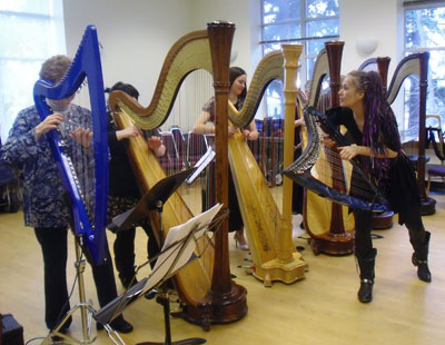 """Hand-to-Hand: Passing on """"Baroque Flamenco"""""""
