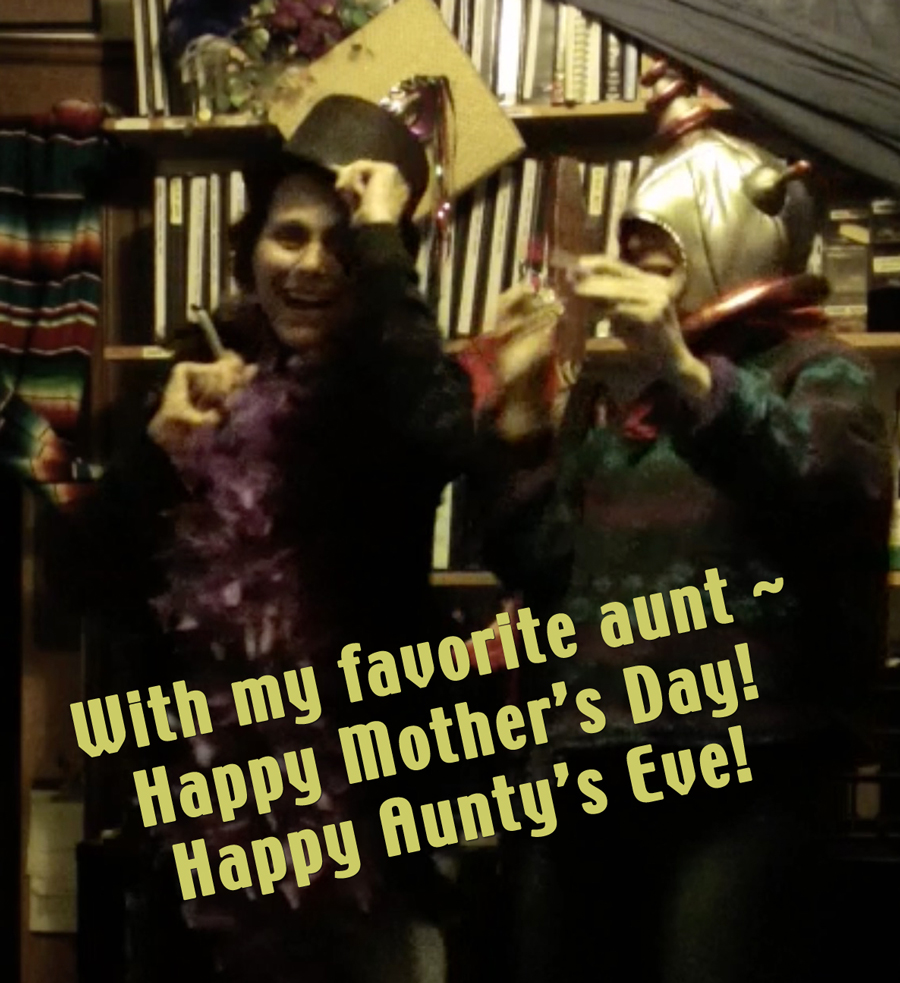favorite-aunt-spacemanhat1